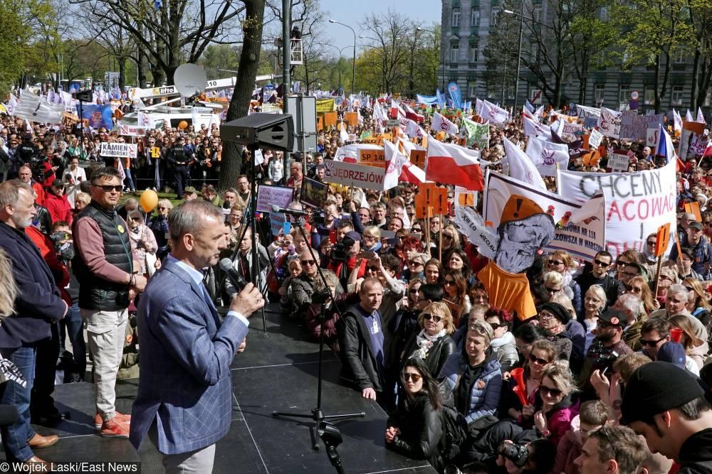 Uczniowie zabierają głos w sprawie strajku nauczycieli [WIDEO]